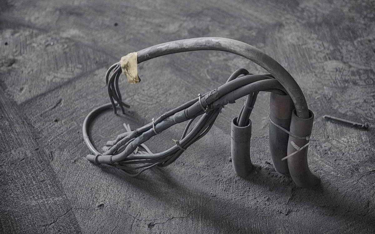 Старые провода эффективных собственников