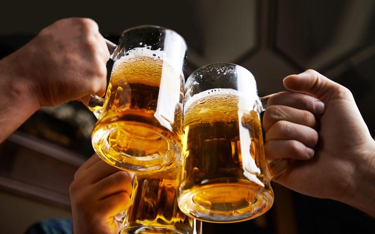 «Я тут с мужиками пьянствую!»