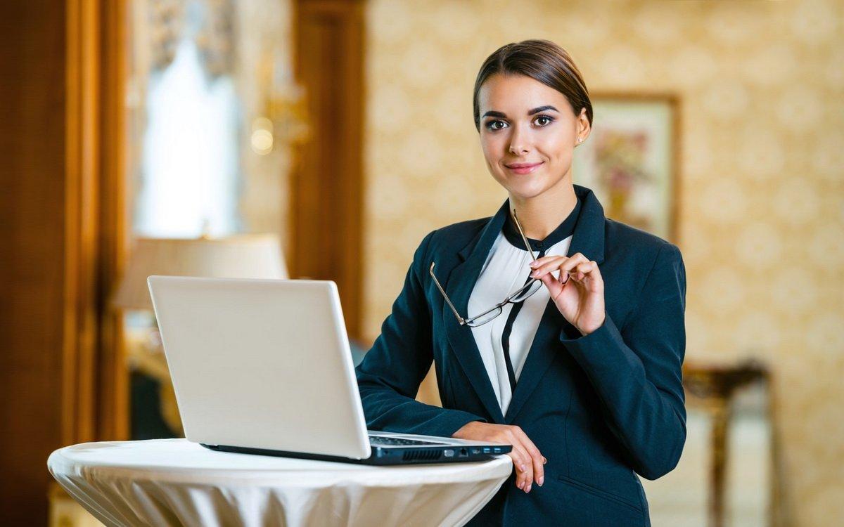 Женское лицо ресторанного бизнеса